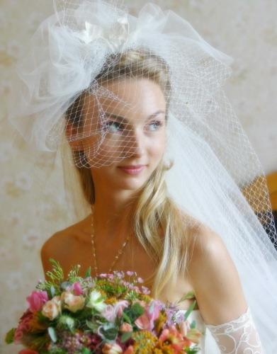 как делаются прически свадебные с фатой