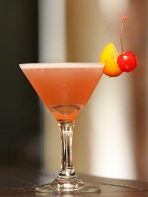 Рецепт - 2 cl рома Bacardi Reserva; - 2 cl ананасового сока; - 1,5 cl...