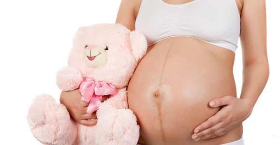 Месячные во время беременности.